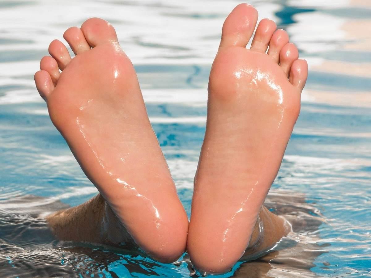 Körperteil, F, Unterkoerper, Unterkörper mit ß am Ende, Fuß