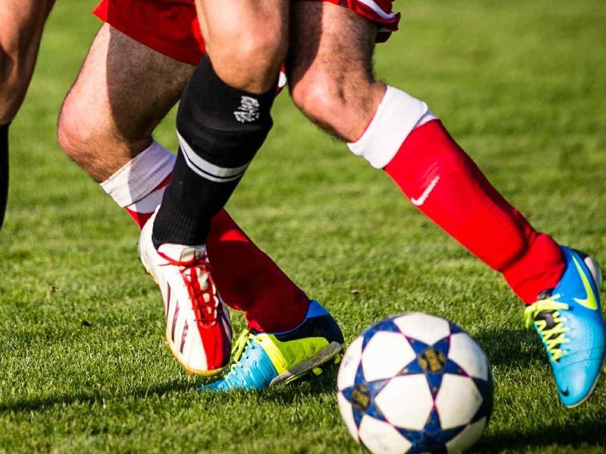 Fußball, Ballsportart, Sportart mit F, F, Ball, Sport mit L am Ende, Sport