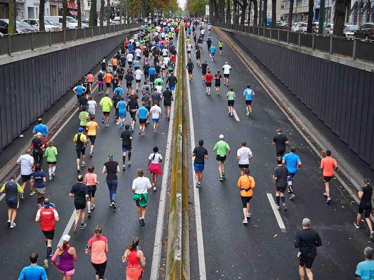 Marathonlauf, Laufsportart, Sportart mit M, M, Joggen, Sport mit F am Ende, Sport