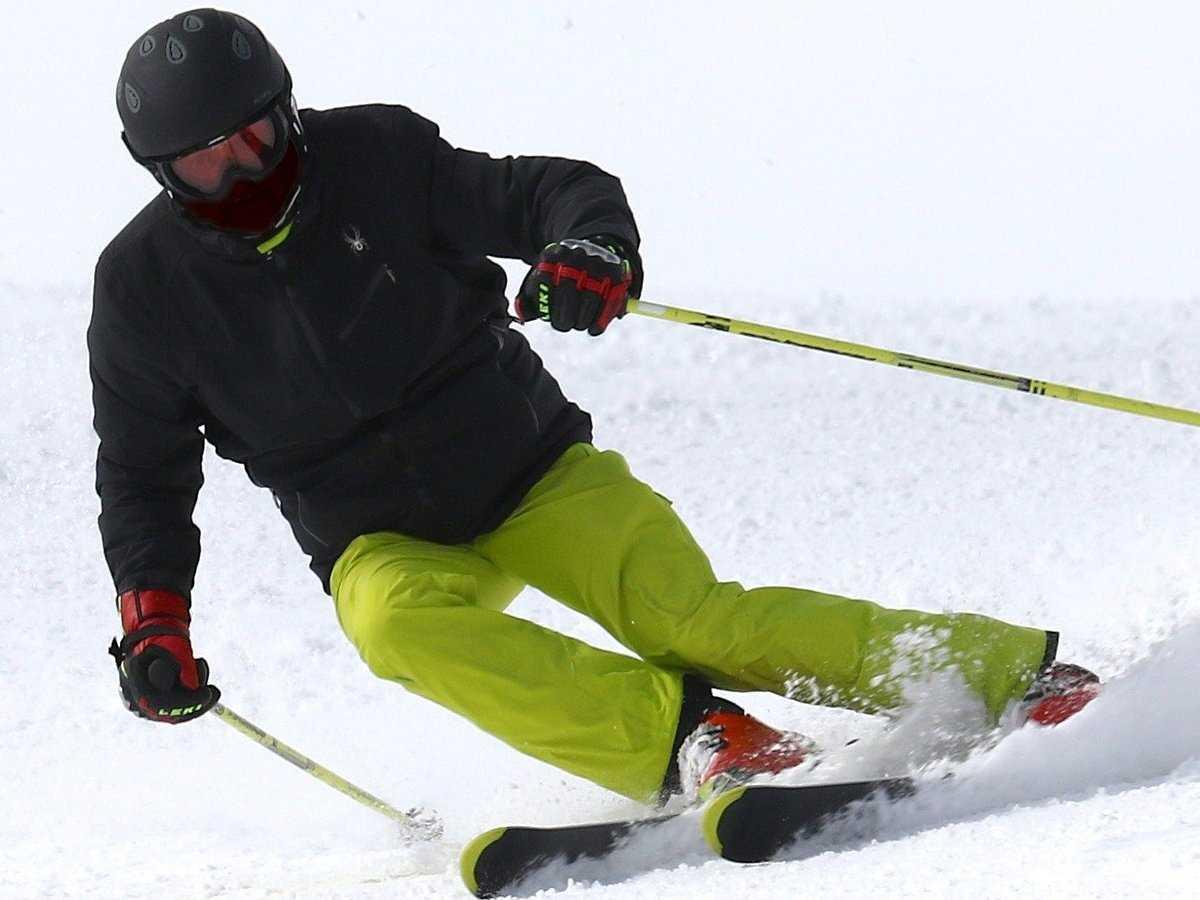 Skifahren, Wintersportart, Sportart mit S, S, Winter, Sport mit N am Ende, Sport